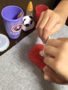 プープシースライムサプライズ スライムの作り方 スライムに粉を混ぜる